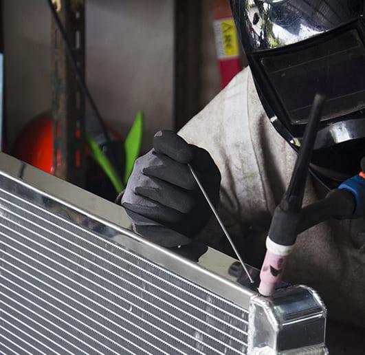 ремонт и замена радиатора автомобиля